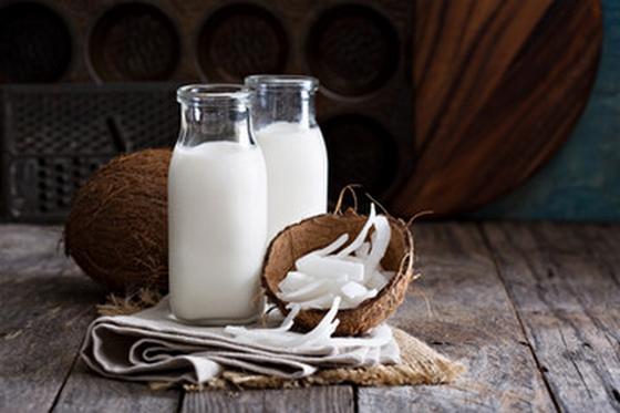 """""""Leite"""" e Farinha de Coco – Vegan, Low Carb, Sem Glúten, Sem Lacticínios"""